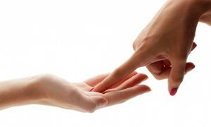 Родинки на пальцах рук — о чем расскажут знаки