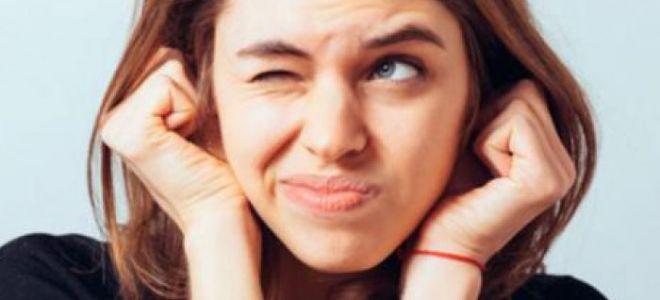 К чему горят уши – приметы и толкования