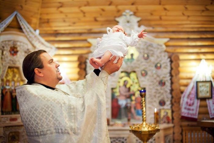 когда можно крестить новорожденного