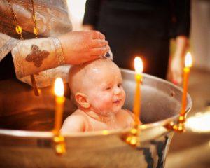 можно ли крестить ребенка в воскресенье