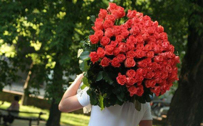 какое количество цветов можно дарить