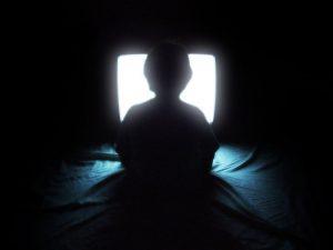 можно ли смотреть телевизор после похорон